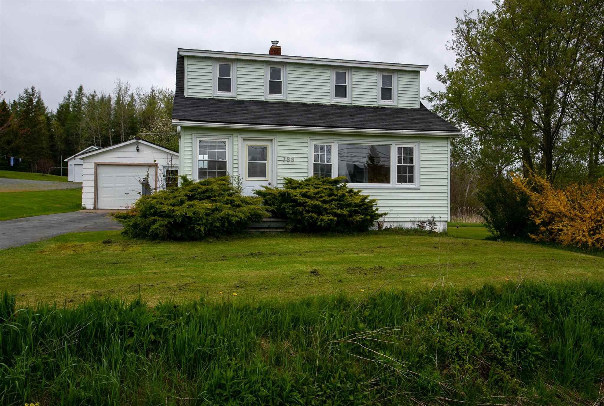 Main Photo: 789 277 Highway in Dutch Settlement: 105-East Hants/Colchester West Residential for sale (Halifax-Dartmouth)  : MLS®# 202112996