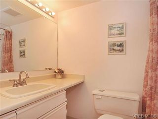 Photo 14: 414 1560 Hillside Ave in VICTORIA: Vi Oaklands Condo for sale (Victoria)  : MLS®# 620343