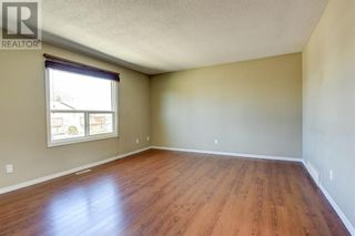 Photo 3: 239, 56 Holmes Street in Red Deer: Condo for sale : MLS®# A1129649