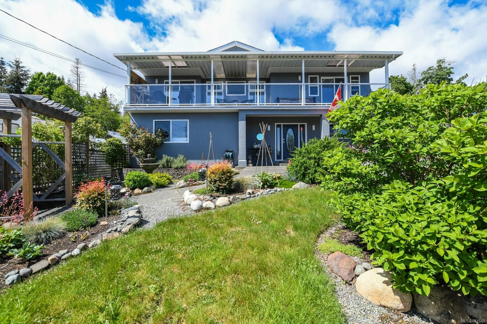 Main Photo: 5523 Tappin St in : CV Union Bay/Fanny Bay House for sale (Comox Valley)  : MLS®# 871549