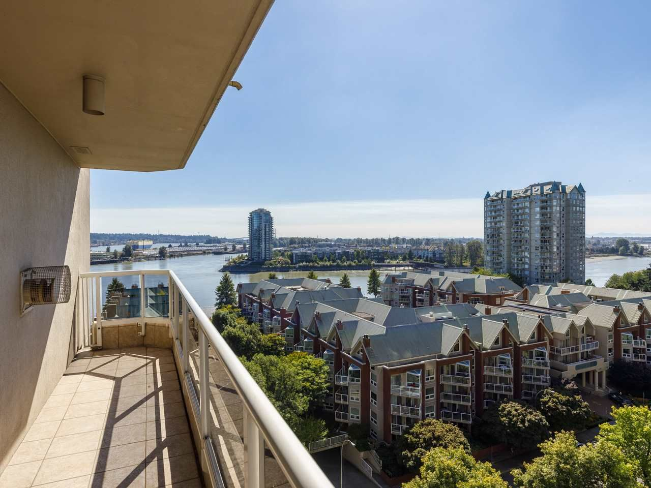 """Main Photo: 1203 1185 QUAYSIDE Drive in New Westminster: Quay Condo for sale in """"Riviera"""" : MLS®# R2510989"""