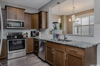 Photo 3: 421 Langer Place in Warman: Residential for sale : MLS®# SK869821