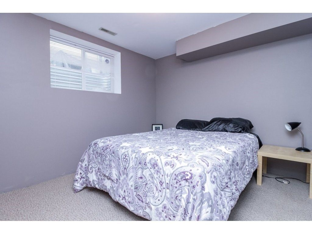 """Photo 18: Photos: 18479 66A Avenue in Surrey: Cloverdale BC House for sale in """"Heartland"""" (Cloverdale)  : MLS®# R2095726"""