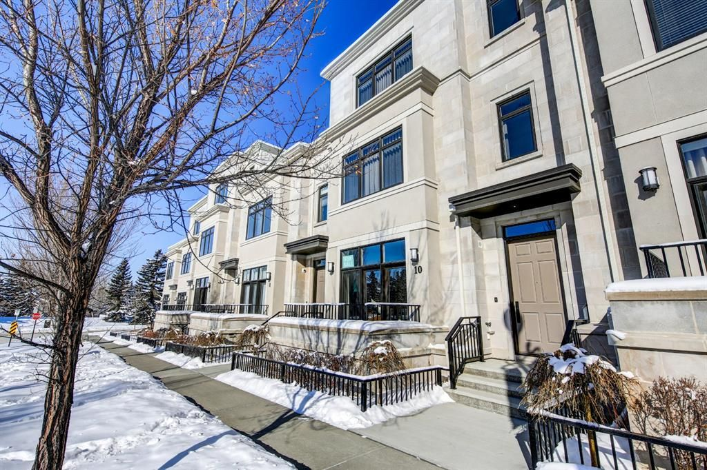 Main Photo: 10 Valour Circle SW in Calgary: Currie Barracks Row/Townhouse for sale : MLS®# A1069872