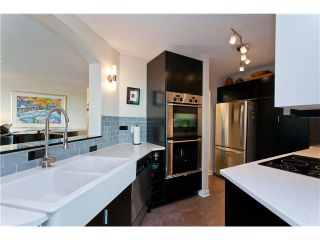 "Photo 5: # 10D 338 TAYLOR WY in West Vancouver: Park Royal Condo for sale in ""WESTROYAL"" : MLS®# V998601"