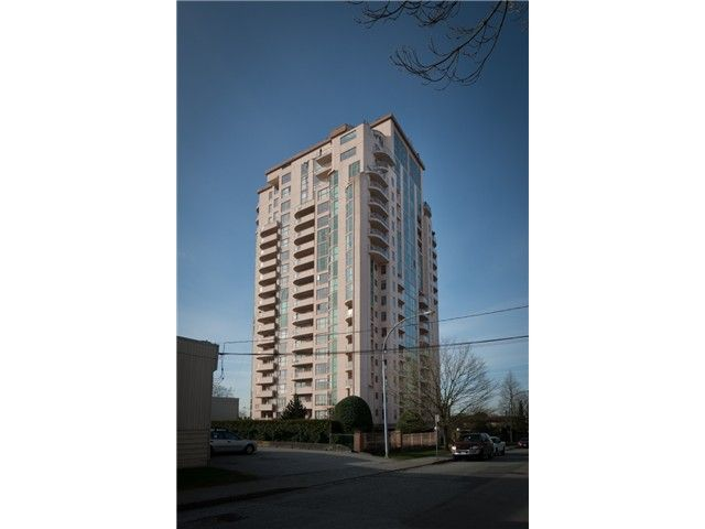 """Main Photo: 901 612 FIFTH Avenue in New Westminster: Uptown NW Condo for sale in """"UPTOWN"""" : MLS®# V1056153"""