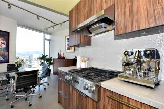 """Photo 9: 2804 1211 MELVILLE Street in Vancouver: Coal Harbour Condo for sale in """"The Ritz"""" (Vancouver West)  : MLS®# R2247457"""