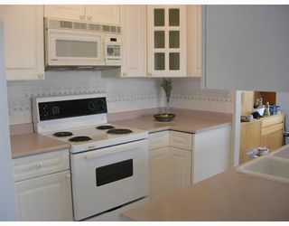 """Photo 6: 1004 140 E 14TH Street in North_Vancouver: Central Lonsdale Condo for sale in """"SPRING HILL"""" (North Vancouver)  : MLS®# V711586"""