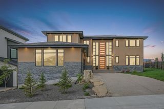 Photo 2: 40 Elveden Bay SW in Calgary: Springbank Hill Detached for sale : MLS®# A1129448