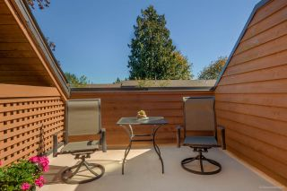 """Photo 16: 431 CARDIFF Way in Port Moody: College Park PM Townhouse for sale in """"EASTHILL"""" : MLS®# R2111339"""