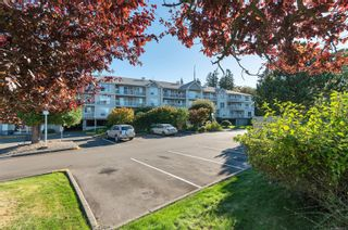 Photo 1: 109 155 Erickson Rd in : CR Campbell River South Condo for sale (Campbell River)  : MLS®# 869412