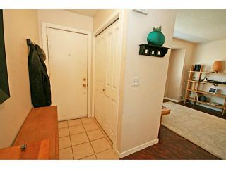 Photo 3: 81 123 QUEENSLAND Drive SE in CALGARY: Queensland Residential Attached for sale (Calgary)  : MLS®# C3624581