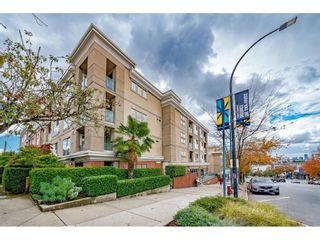 Main Photo: 421 332 LONSDALE Avenue in North Vancouver: Lower Lonsdale Condo for sale : MLS®# R2619284