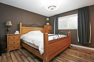 Photo 5: 10346 KENT Road in Chilliwack: Fairfield Island House for sale : MLS®# R2578576