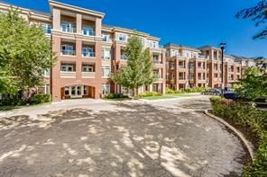 FEATURED LISTING: 207 - 6 hemlock Crescent Southwest