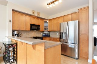 """Photo 8: 37 16760 61 Avenue in Surrey: Cloverdale BC Townhouse for sale in """"HARVEST LANDING"""" (Cloverdale)  : MLS®# R2282376"""