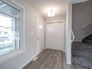 Photo 2: 2613 201 Street in Edmonton: Zone 57 Attached Home for sale : MLS®# E4262204