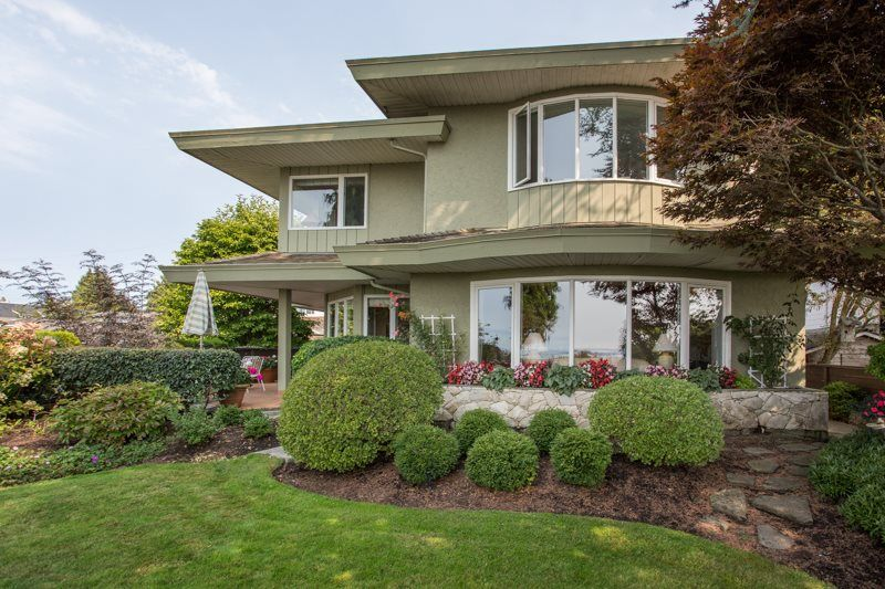 """Main Photo: 2648 O'HARA Lane in Surrey: Crescent Bch Ocean Pk. House for sale in """"Crescent Beach"""" (South Surrey White Rock)  : MLS®# R2494071"""
