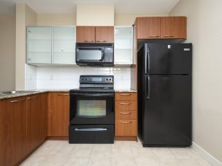 """Photo 10: 526 4078 KNIGHT Street in Vancouver: Knight Condo for sale in """"EDGE"""" (Vancouver East)  : MLS®# R2512910"""