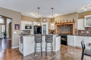 Photo 10: 90 STRATHLEA Crescent SW in Calgary: Strathcona Park Detached for sale : MLS®# C4289258