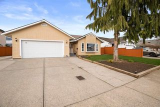 """Photo 1: 32293 NAKUSP Drive in Abbotsford: Abbotsford West House for sale in """"FAIRFIELD ESTATES"""" : MLS®# R2556251"""