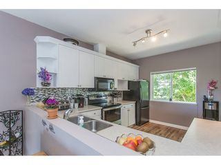 """Photo 7: 43 18181 68 Avenue in Surrey: Cloverdale BC Townhouse for sale in """"THE MAGNOLIA"""" (Cloverdale)  : MLS®# R2191663"""