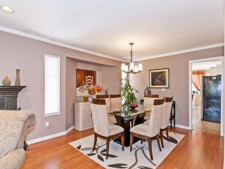 Photo 4: Coquitlam: Condo for sale : MLS®# R2075039