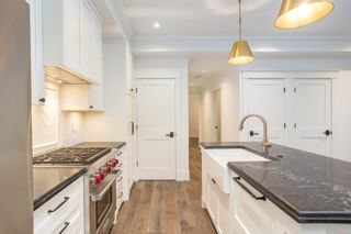 """Photo 3: 1779 W 16 Avenue in Vancouver: Kitsilano Townhouse for sale in """"Heritage by Formwerks"""" (Vancouver West)  : MLS®# R2448707"""