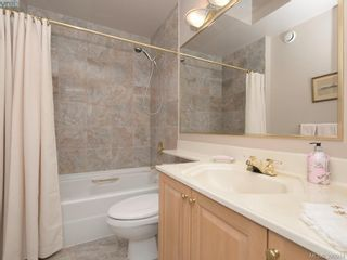 Photo 17: 10 928 Bearwood Lane in VICTORIA: SE Broadmead Row/Townhouse for sale (Saanich East)  : MLS®# 785859