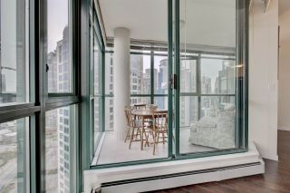 "Photo 16: 2302 289 DRAKE Street in Vancouver: Yaletown Condo for sale in ""Park View Tower"" (Vancouver West)  : MLS®# R2530410"