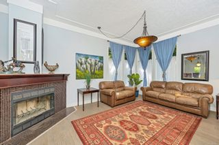 Photo 5: 2258 Trudie Terr in Langford: La Thetis Heights House for sale : MLS®# 884383
