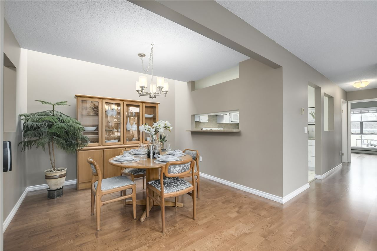 """Photo 5: Photos: 304 7580 MINORU Boulevard in Richmond: Brighouse South Condo for sale in """"CARMEL POINT"""" : MLS®# R2369650"""