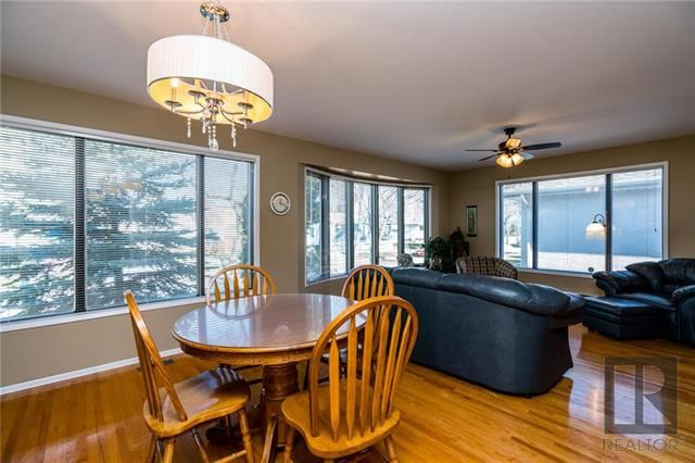 Photo 5: Photos: 940 Weatherdon Avenue in Winnipeg: Crescentwood Residential for sale (1Bw)  : MLS®# 1828216