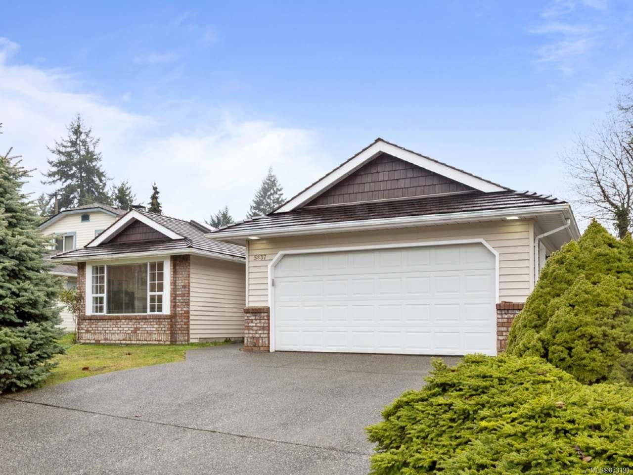 Main Photo: 5837 Brigantine Dr in NANAIMO: Na North Nanaimo House for sale (Nanaimo)  : MLS®# 833190