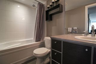 """Photo 9: 1407 13688 100 Avenue in Surrey: Whalley Condo for sale in """"Park Place One"""" (North Surrey)  : MLS®# R2499938"""