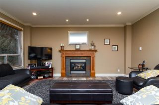 Photo 5: 6870 199A Street in Langley: Willoughby Heights House for sale : MLS®# R2231673