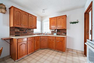 Photo 9: 7 Bond Crescent in Regina: Dominion Heights RG Residential for sale : MLS®# SK847408