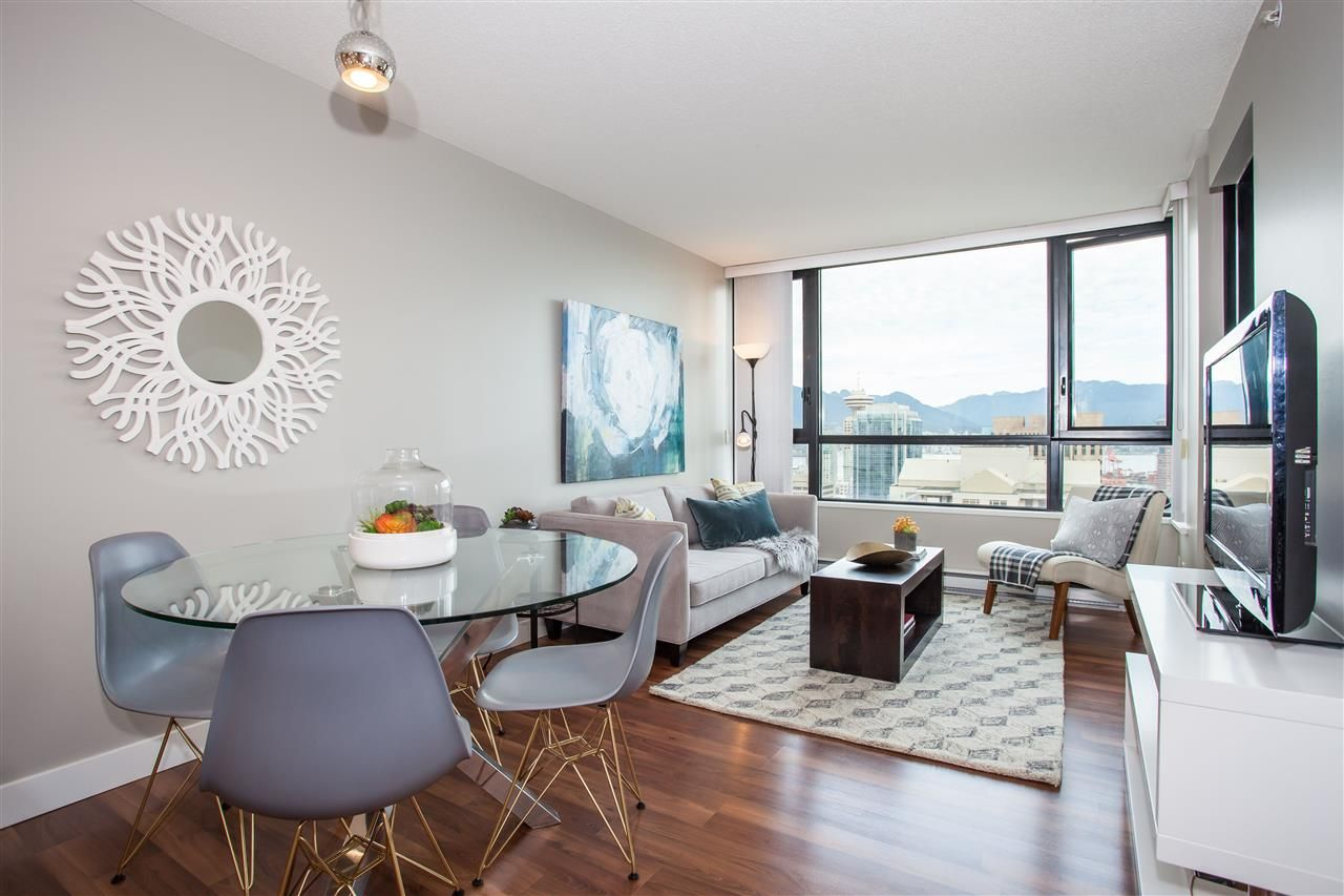 "Photo 3: Photos: 3401 909 MAINLAND Street in Vancouver: Yaletown Condo for sale in ""YALETOWN PARK"" (Vancouver West)  : MLS®# R2126957"