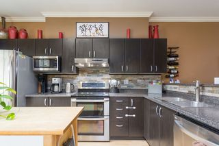 """Photo 4: 30 18839 69 Avenue in Surrey: Clayton Townhouse for sale in """"STARPOINT 2"""" (Cloverdale)  : MLS®# R2543592"""