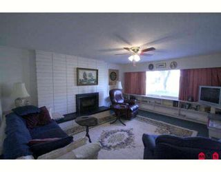 Photo 2: 9360 CARLETON Street in Chilliwack: Chilliwack E Young-Yale Duplex for sale : MLS®# H2801916
