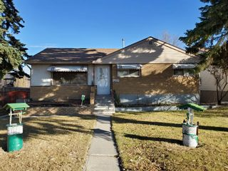 Main Photo: 2502 26 Street SE in Calgary: Southview Detached for sale : MLS®# A1059886