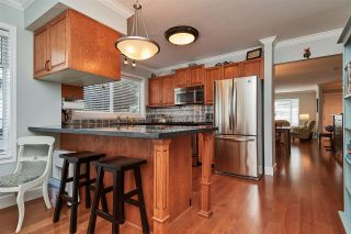 """Photo 5: 104 14271 18A Avenue in Surrey: Sunnyside Park Surrey Townhouse for sale in """"Ocean Bluff Court"""" (South Surrey White Rock)  : MLS®# R2337440"""