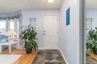 Photo 2: 155 MILLBOURNE Road E in Edmonton: Zone 29 House for sale : MLS®# E4265815