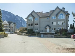 """Photo 2: 210 1466 PEMBERTON Avenue in Squamish: Downtown SQ Condo for sale in """"MARINA ESTATES"""" : MLS®# R2590030"""