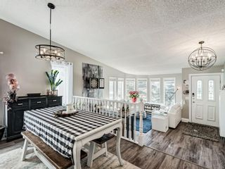 Photo 6: 71 Strathaven Circle SW in Calgary: Strathcona Park Detached for sale : MLS®# A1079924