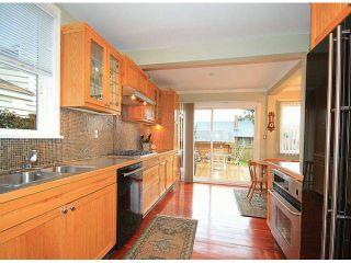 Photo 6: 15522 VICTORIA Avenue: White Rock House for sale (South Surrey White Rock)  : MLS®# F1315146