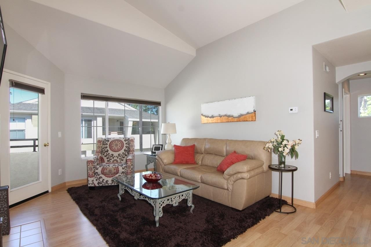 Main Photo: SCRIPPS RANCH Townhouse for sale : 2 bedrooms : 11871 Spruce Run #A in San Diego