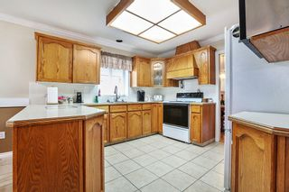 Photo 11: 16938 58A Avenue in Surrey: Cloverdale BC House for sale (Cloverdale)  : MLS®# R2617807