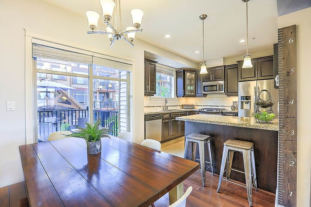 "Main Photo: 9 12585 190A Street in Pitt Meadows: Mid Meadows Townhouse for sale in ""Cedar Downs"" : MLS®# R2275726"