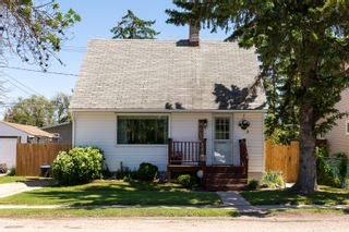 Photo 2: 620 3rd Street NE in Portage la Prairie: House for sale : MLS®# 202114729